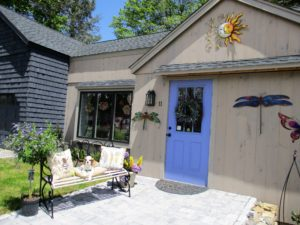 Little Free Library Pop-Up & Kids 4 Kids Lemonade Stand @ Bella Luna Gift Shop