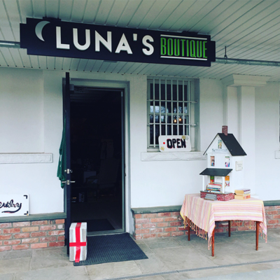 Luna's Boutique, Litchfield